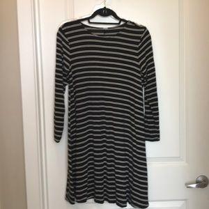 Dresses & Skirts - Black and white stripe T-shirt dress